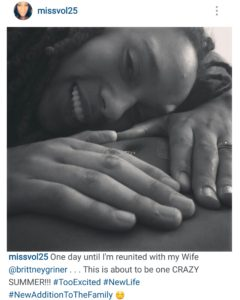 Brittney Griner rests on Glory Johnson's pregnant belly.