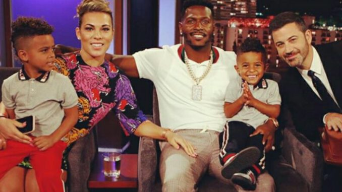Update Remember When Nfl Player Antonio Brown Blasted His Deadbeat Babymama Said She Hasn T Seen Her Kids In 4 Years Looks Like He Bought Her A Bentley Got Back Together